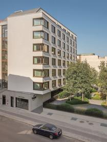 55-Zimmer-Hotel mit Eigentumswohnungen und großem Garten